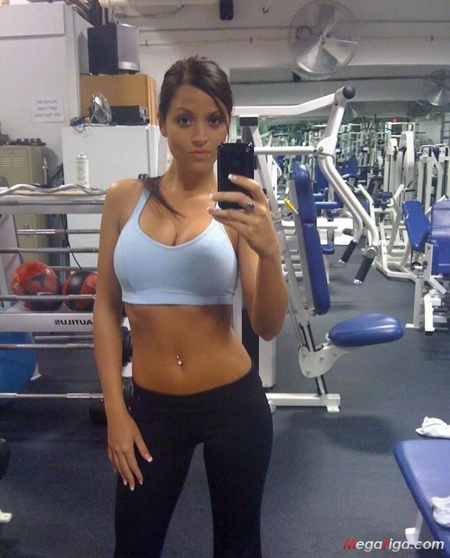 Sexy Selfie In Palestra