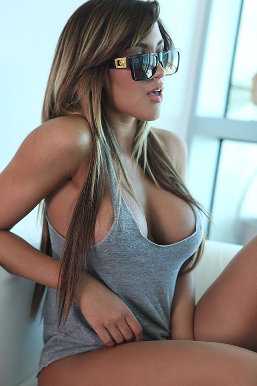 Sexy sun glasses and lips