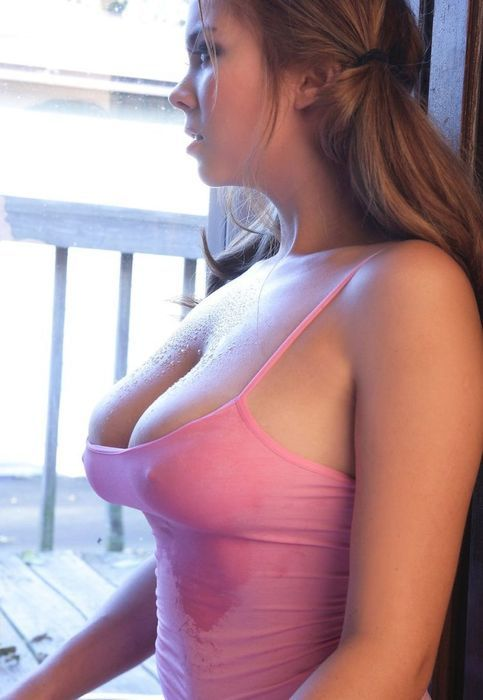 thoughtful wet tits, sexy boobs, sexiest photos on the world! Enjoy the beauty. Athletic babe. sexyphoto.es