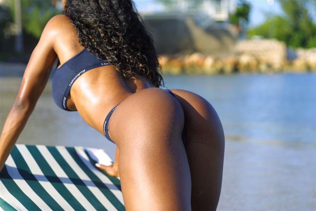 ebony girl, nice ass