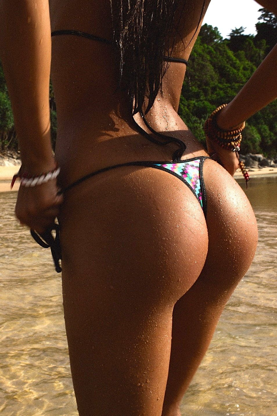 Perfect wet thong ass