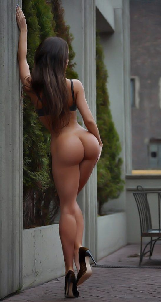 https://sexyphoto.es/wp-content/uploads/2016/09/Perfect-ass-at-street-547x1024.jpg