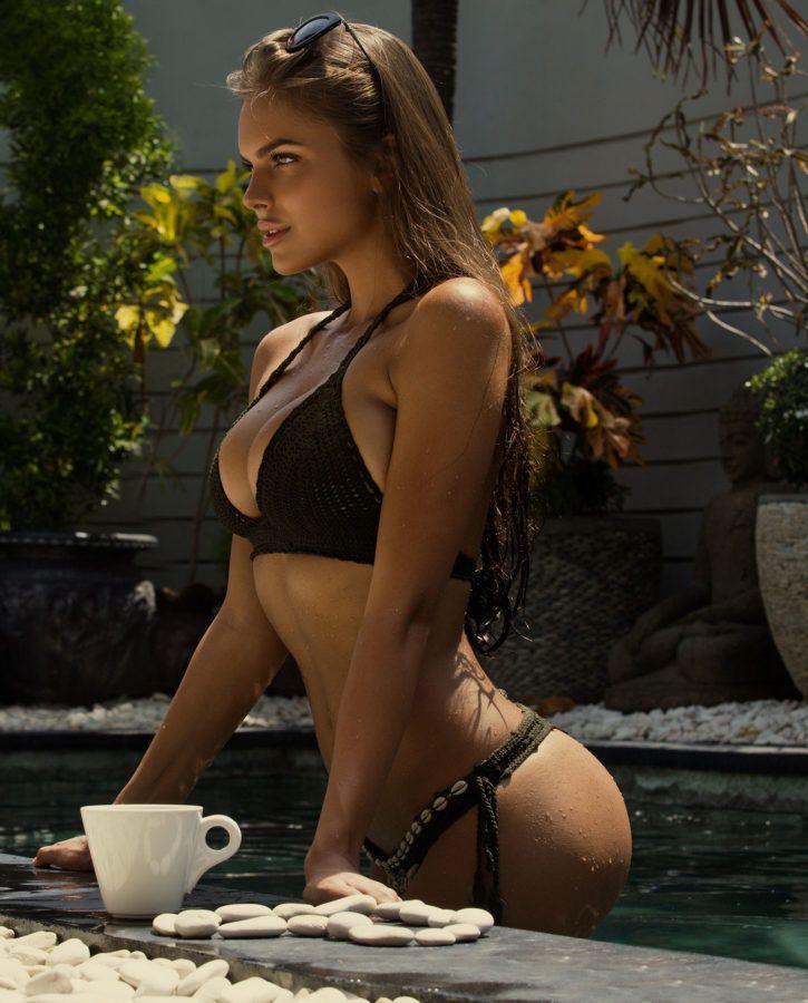 Perfect bikini, sexy at pool