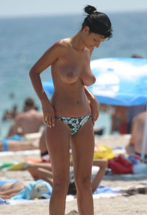Summer Topless perfect boobs at beach