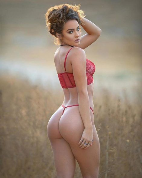 Sommer Ray booty ass in thong