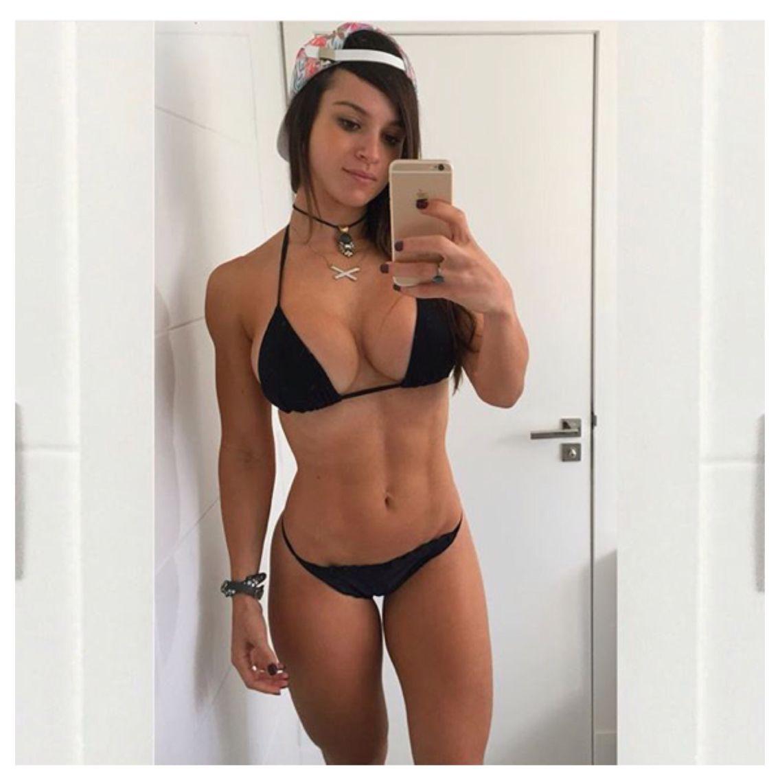 Alice Matoss sexy bikini selfie