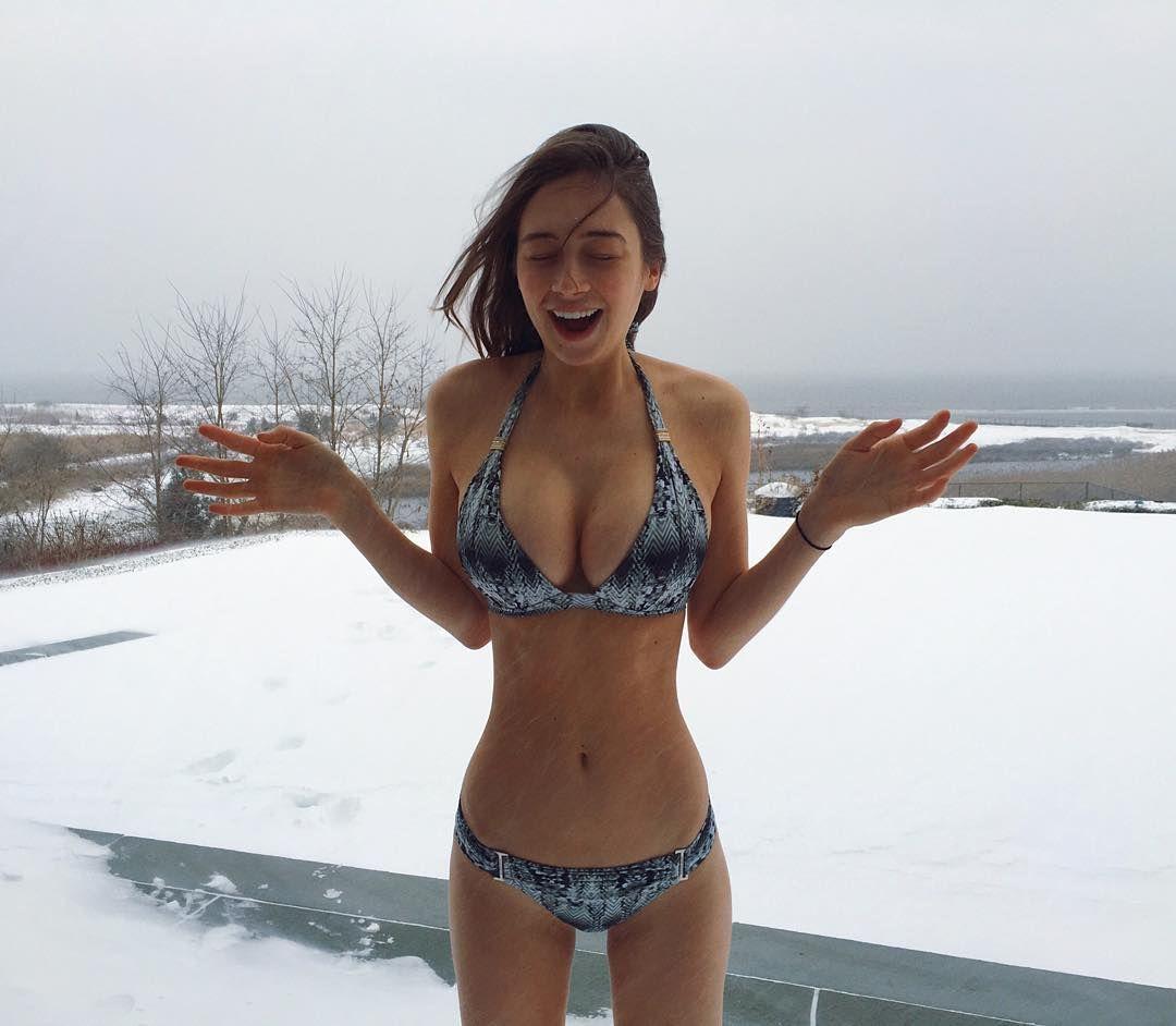 Elsie Hewitt big boobs at snow