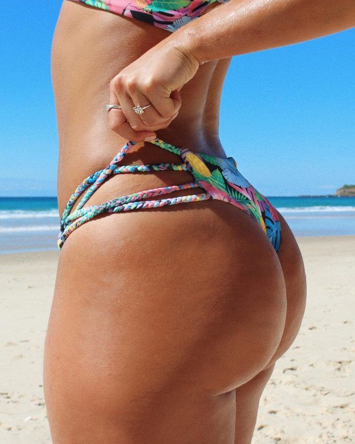 perfect ass in thong at beach