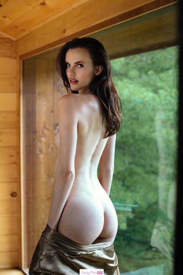 Lauren Buys nude