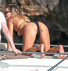 Rita Ora sexy ass on a boat in Porto Cervo