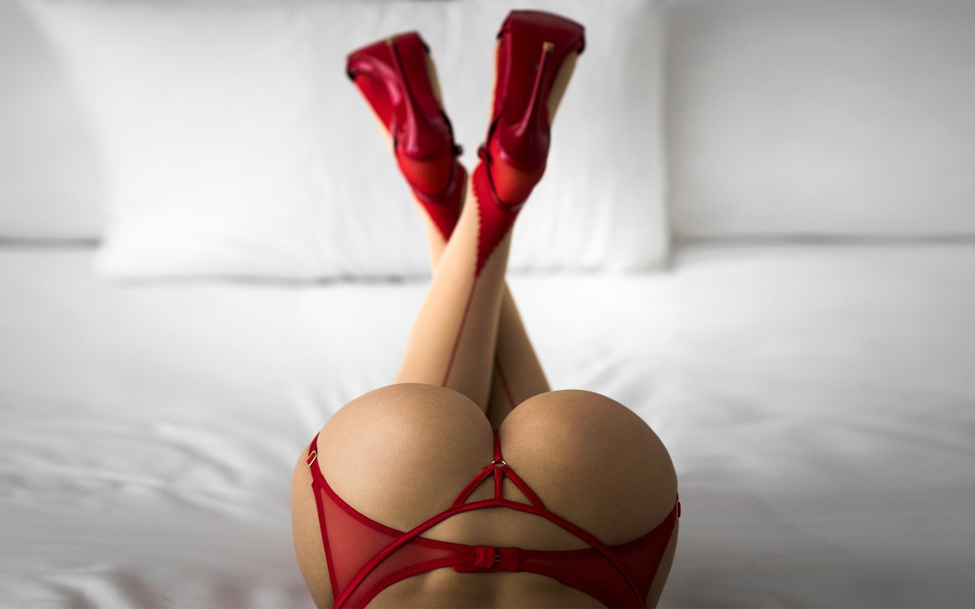 women-ass-thong-high-heels-red-lingerie