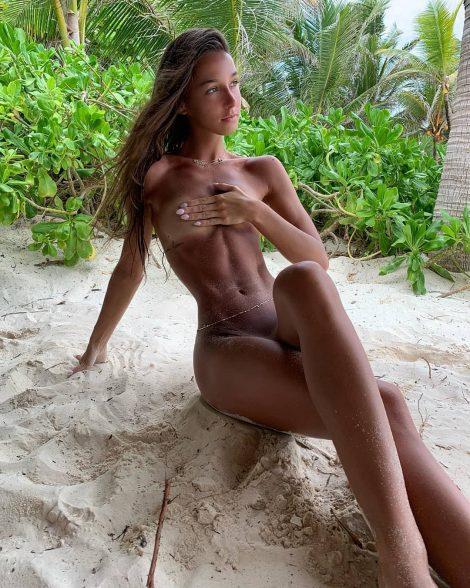 sexy nude girl