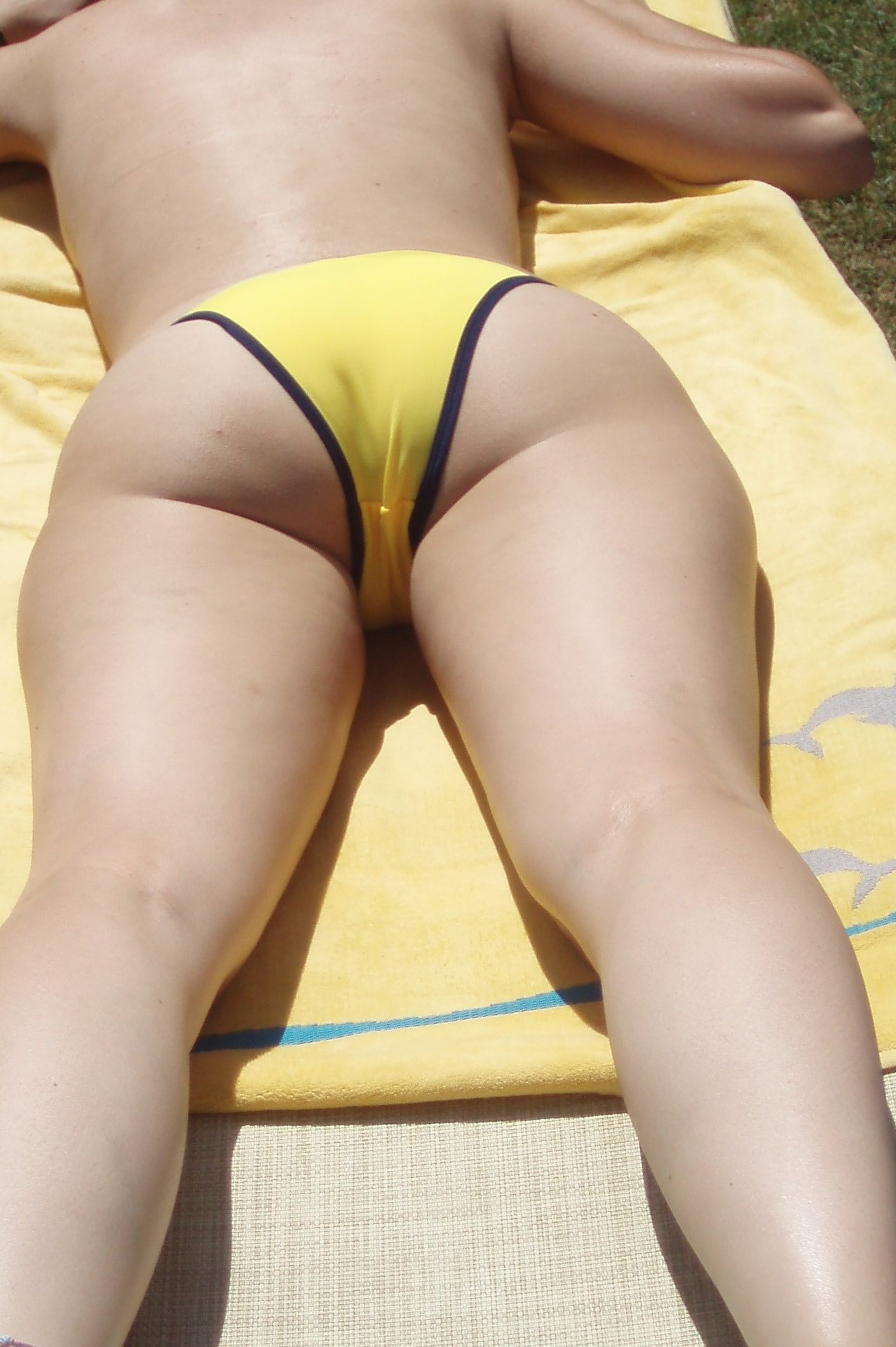 Amateur ass swimming pool