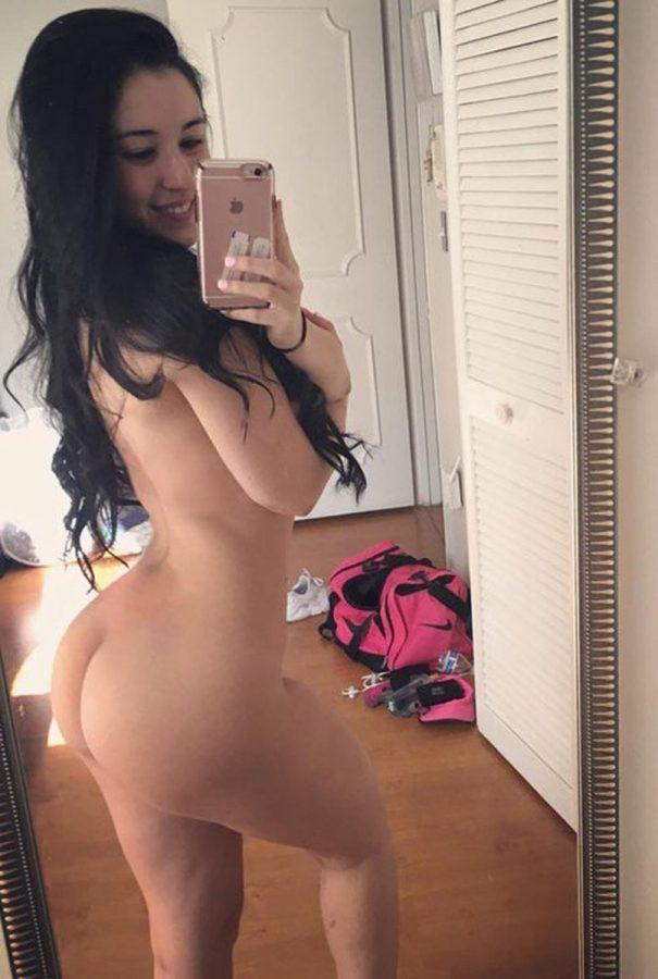 selfie ass nude