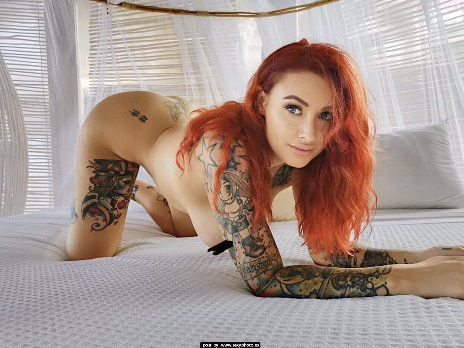 redhair sexy tattos