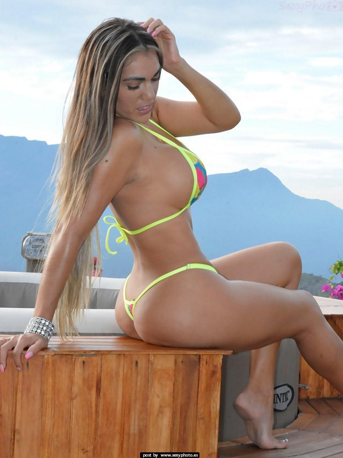 busty bikini