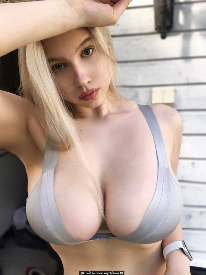 busty boobs