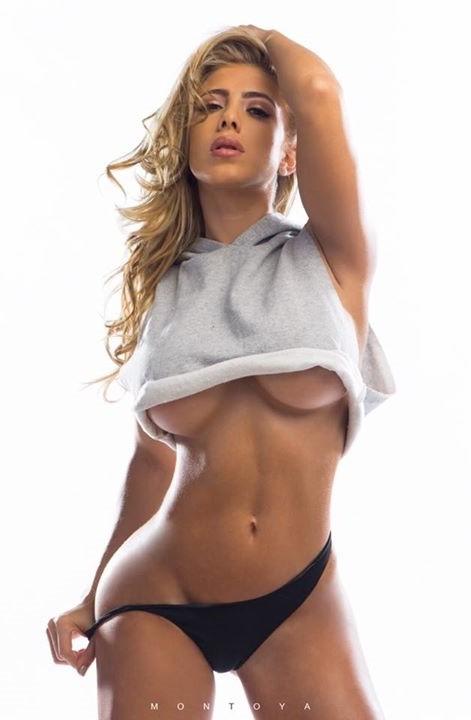 underboobs