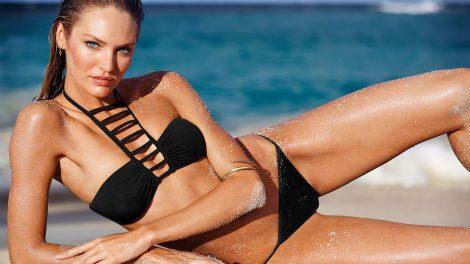 women-model-depth-of-field-beach-black-hair-Candice-Swanepoel