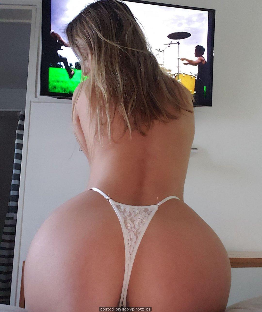 Victoria Vazquez busty ass