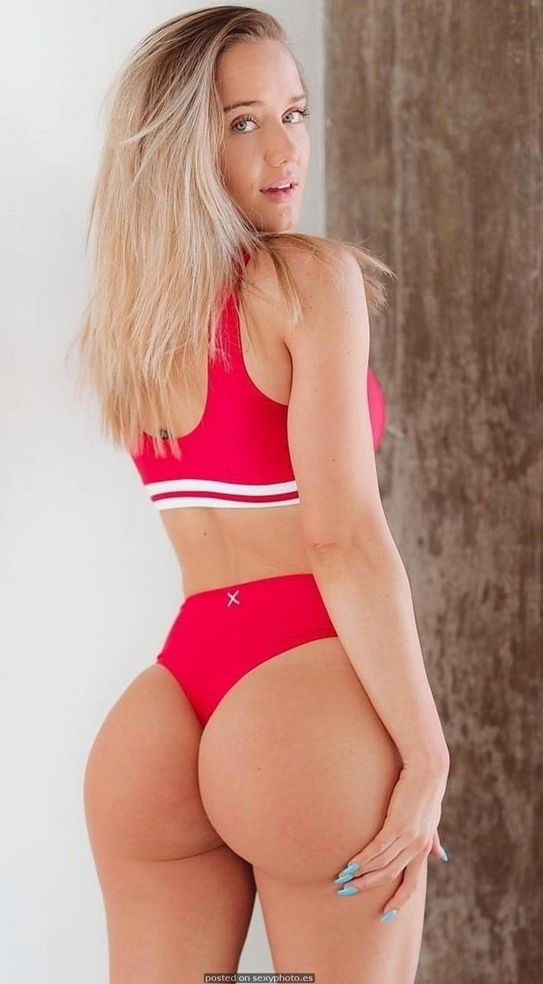 Red is hot and sexy, lingerie ass boobs photo