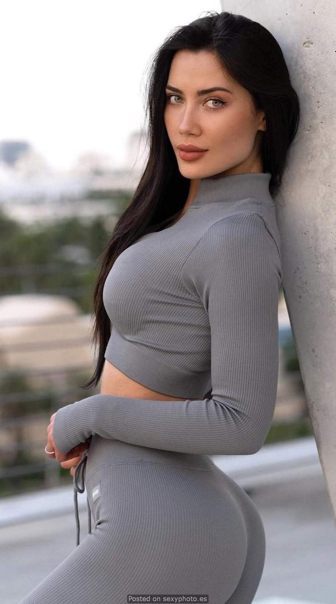 Georgina Mazzeo leggings