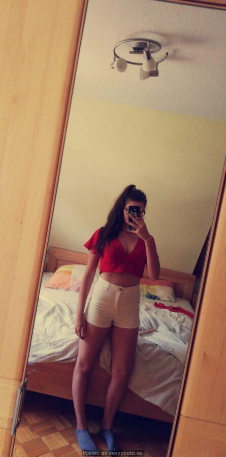 Larissa sexy teen 1