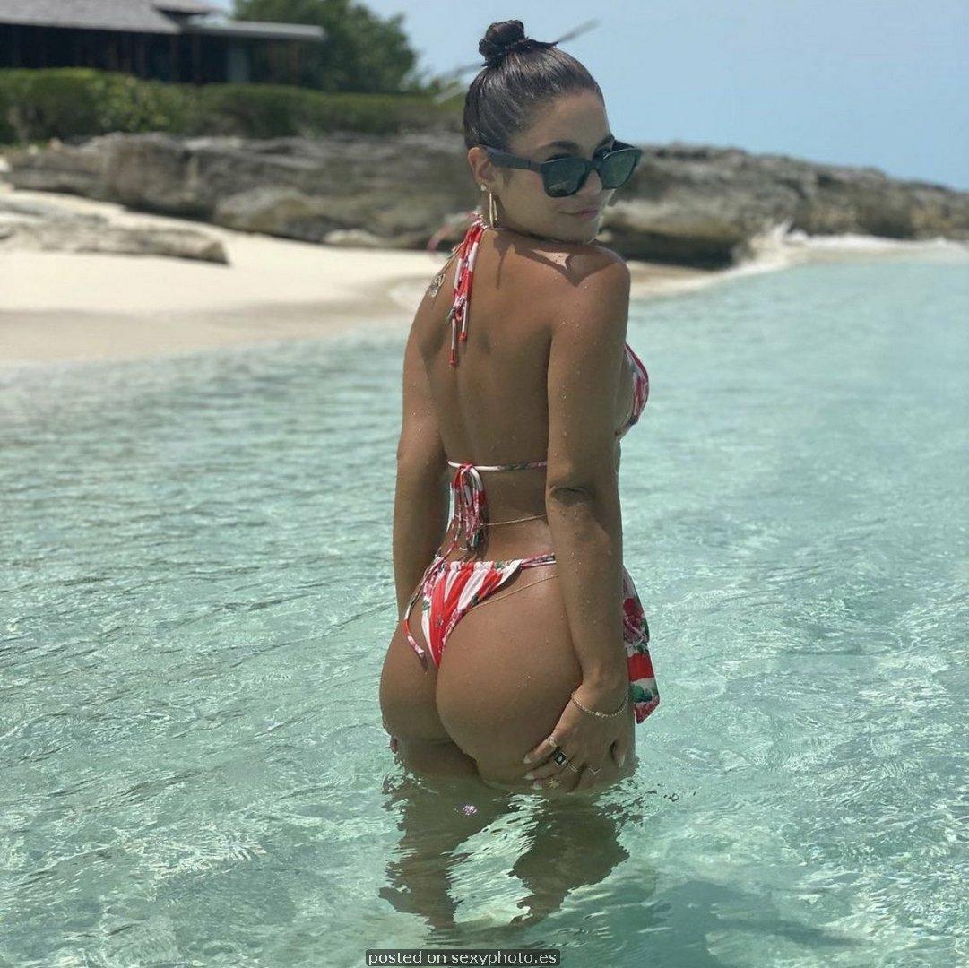 Vanessa Hudgens bikini ass