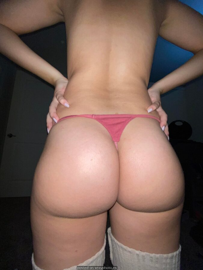 amateur ass thong busty ass