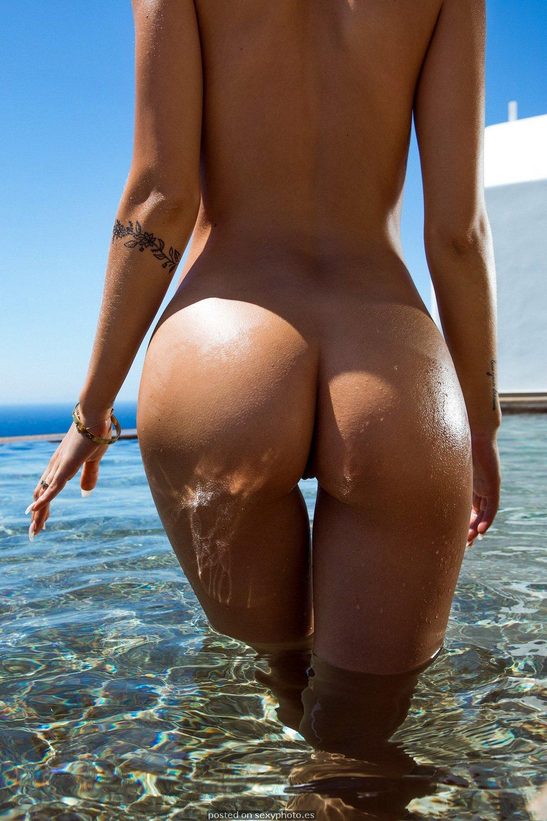 ass nude beach