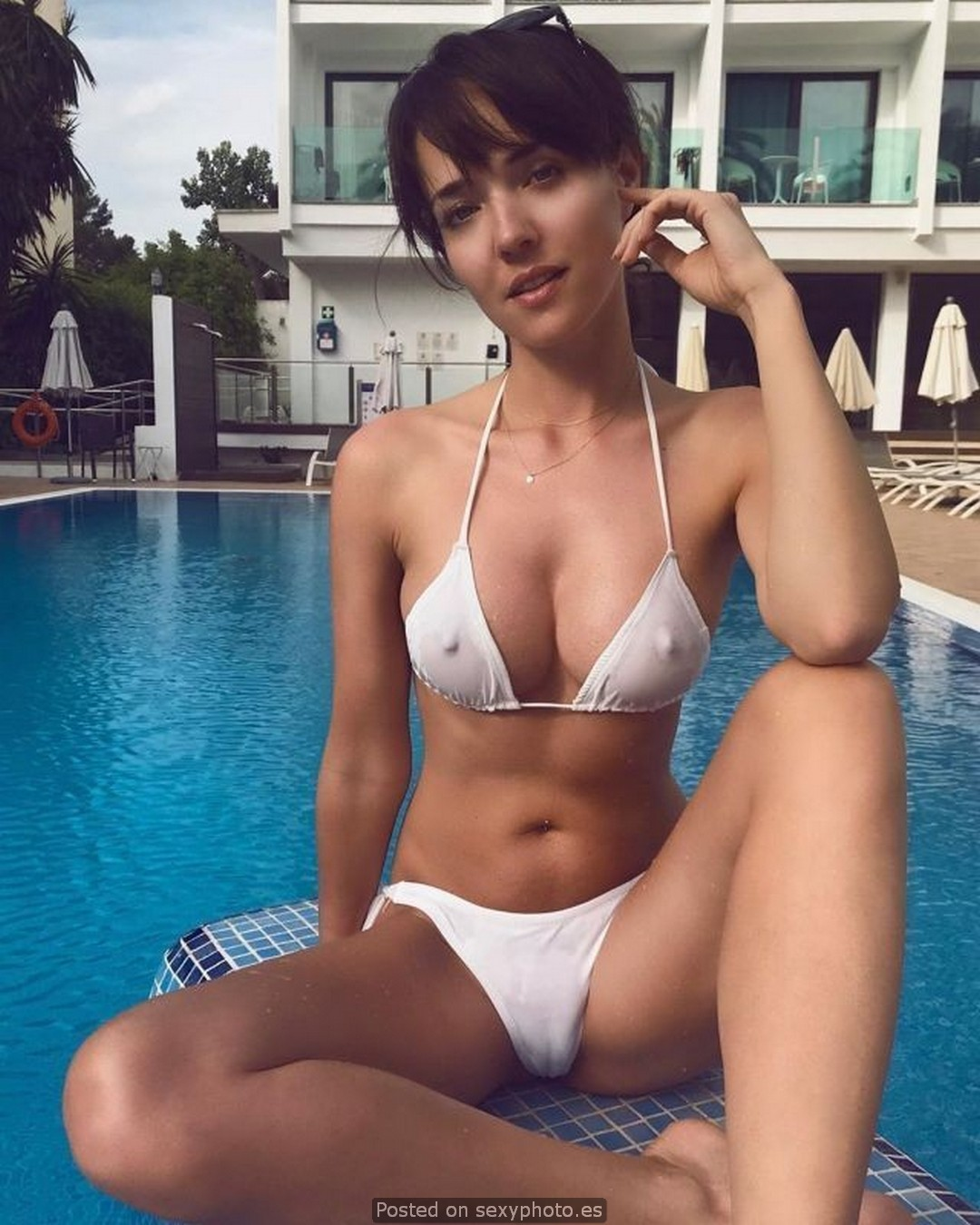 cameltoe bikini white