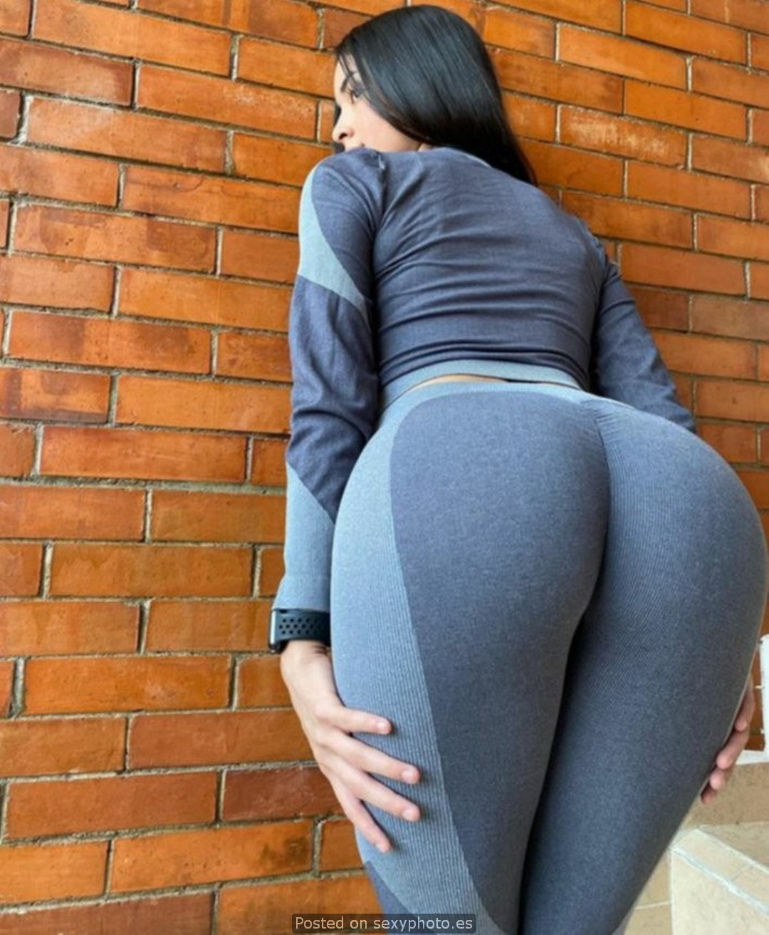 jimena hernandez leggings ass