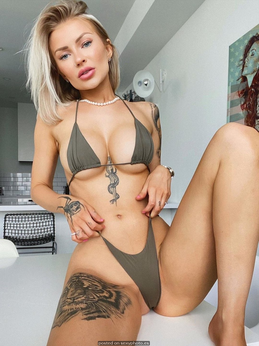 tatto girl underboobs bikini