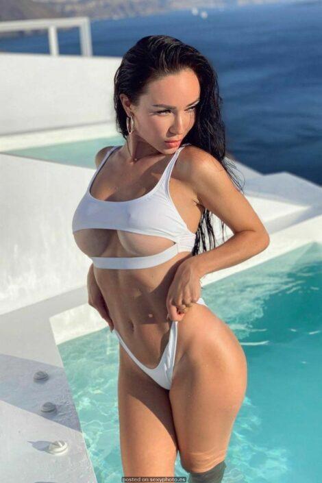 underboobs bikini nipples