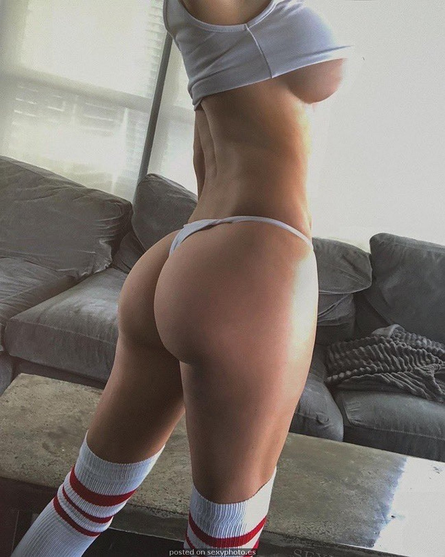 underboobs nice ass