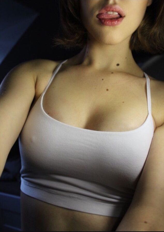 perfect mouth and boobs